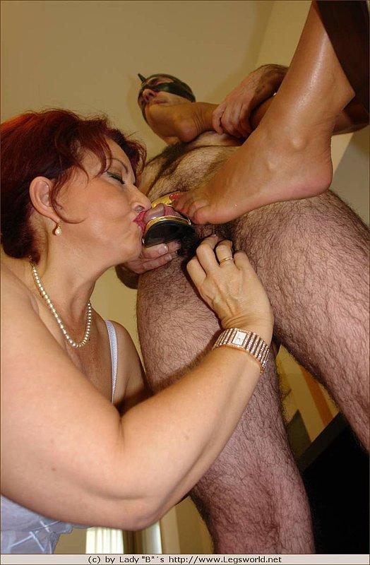Big pendulous tits mature