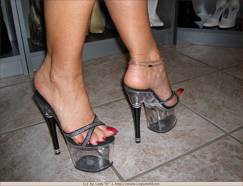 hot stripper legs wmv