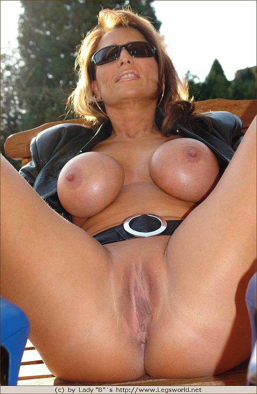 Beautiful ebony orgasm