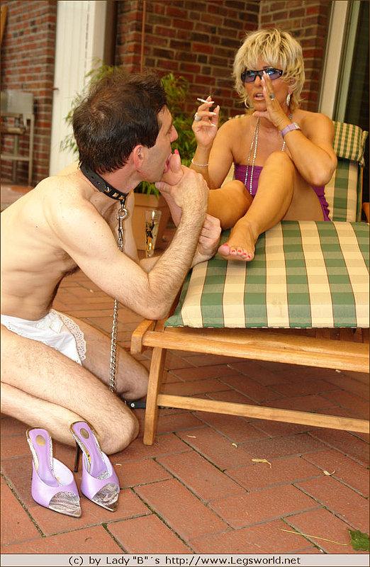 smoking hot milf starves for foot fetish hard sex delight