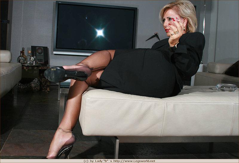 Mature smoking femdom