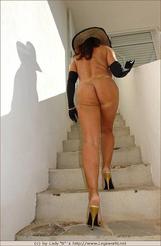 Nude lady barbara Legsworld nude