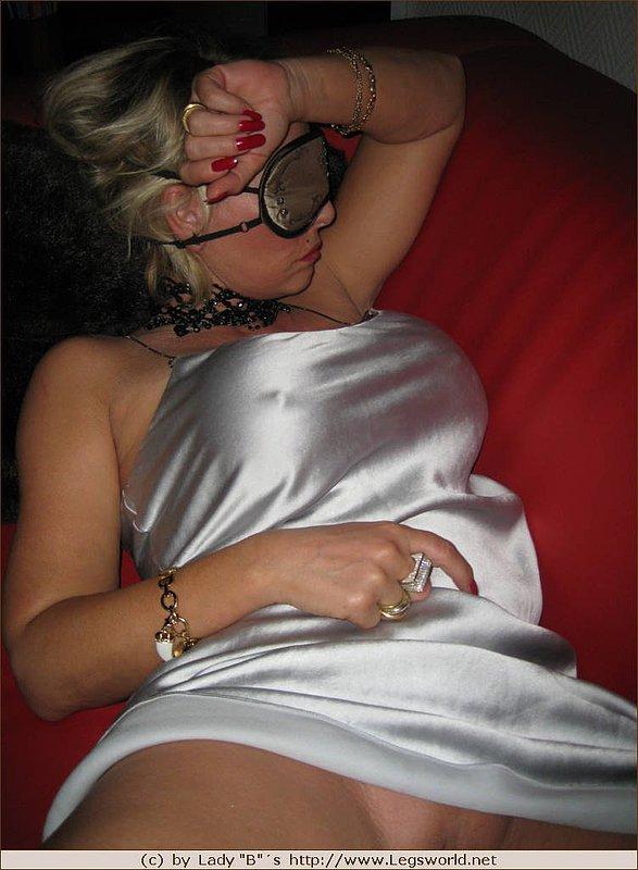 Amateur naked curvy women nude