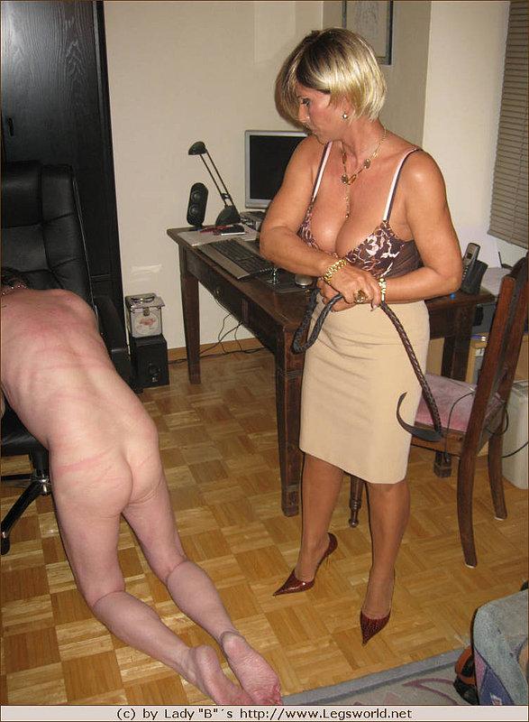 Milf asking to be spanked
