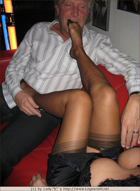 Femdom and legs and nylons