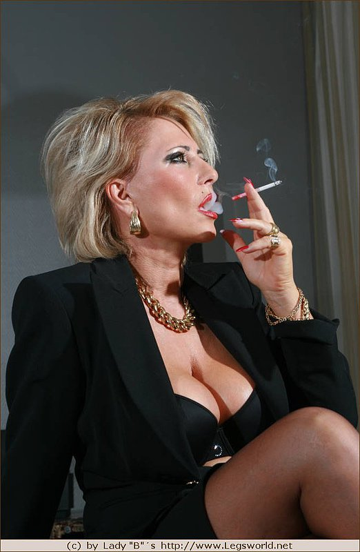 Mature nude smokers