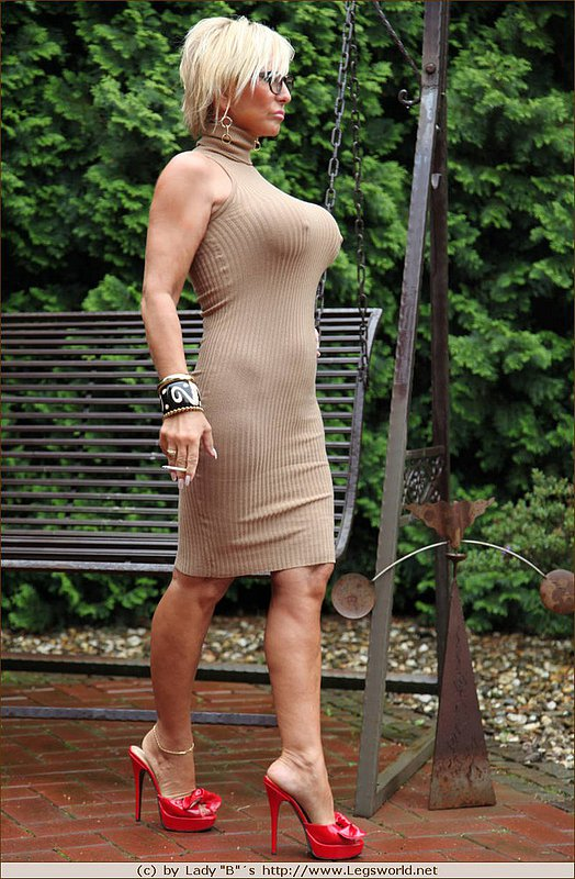 Mom xxx in high heels hot pictures