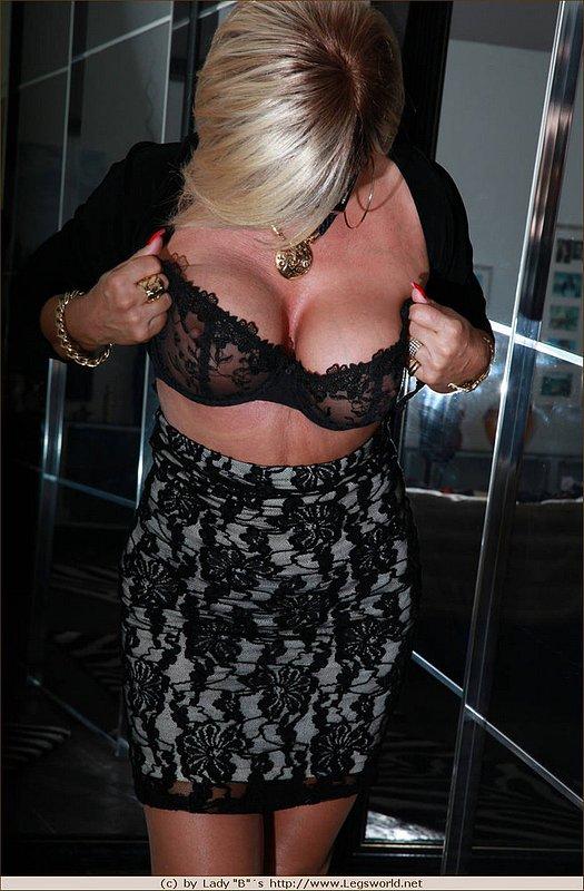 Big tits changing in swimming pool locker room 6