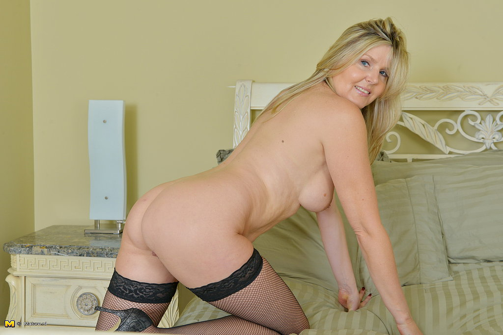 Hot naughty milf