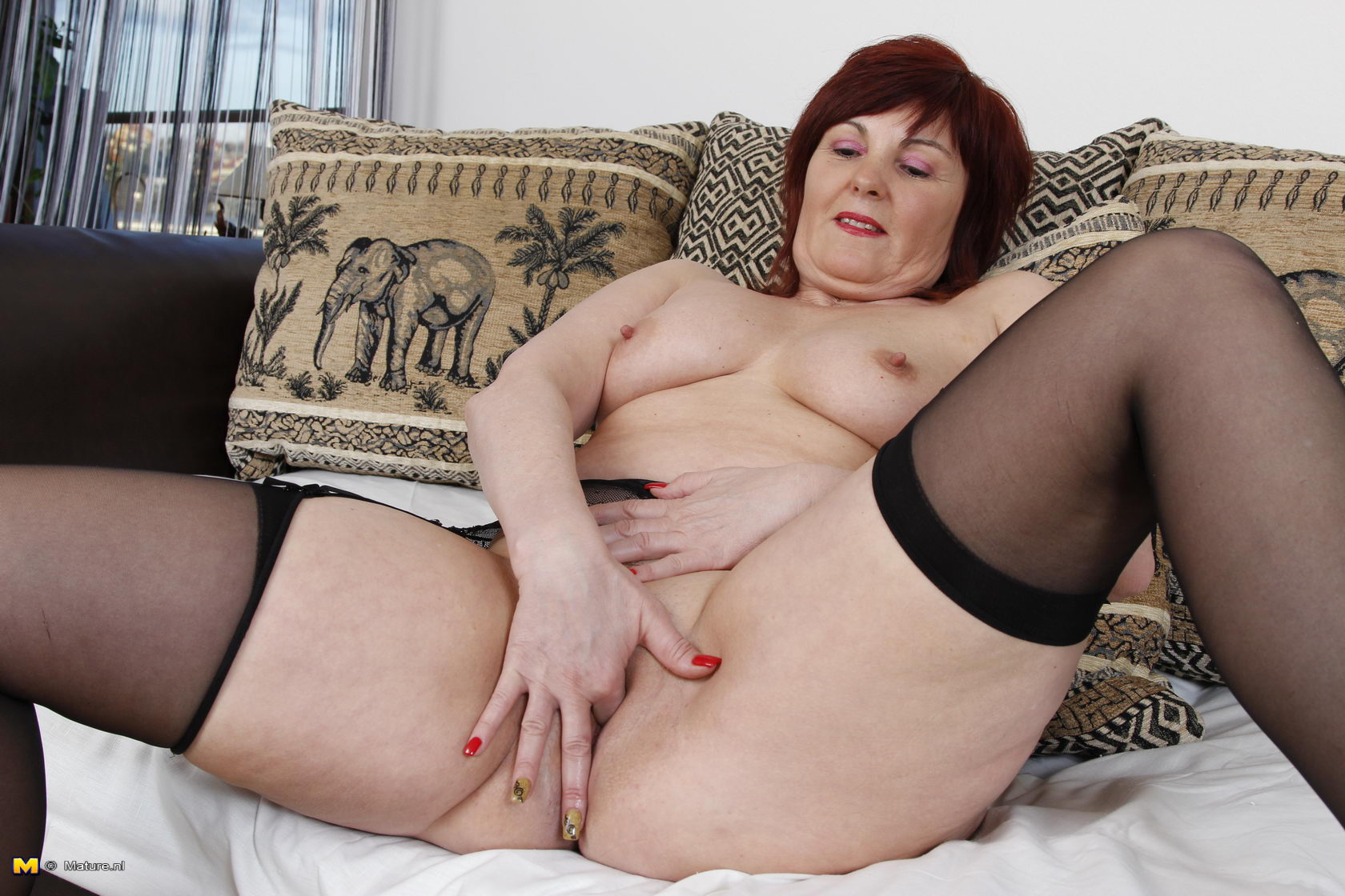 Movie big dangling pussy lips and