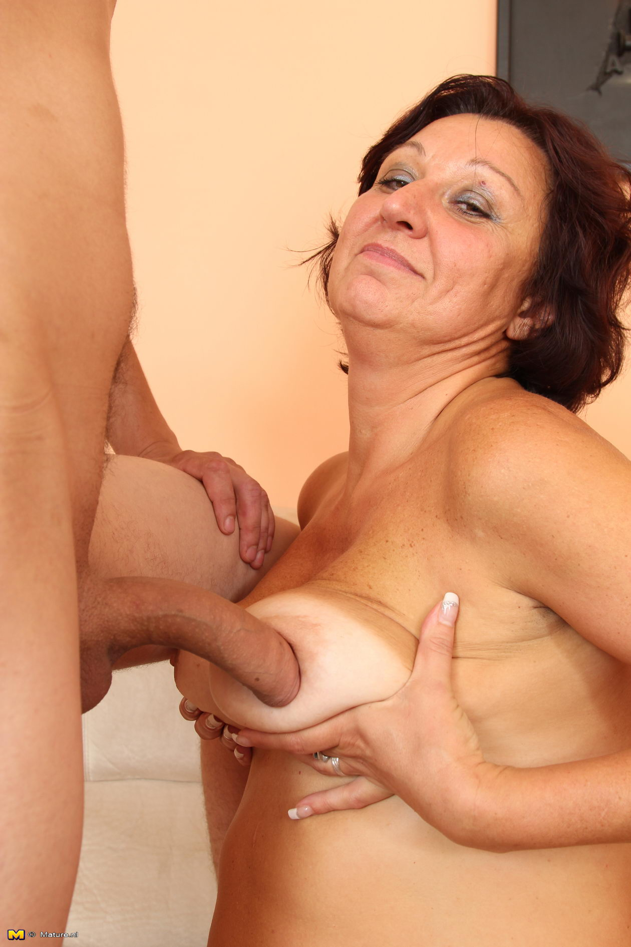 mature slut fucking and sucking a toy boy