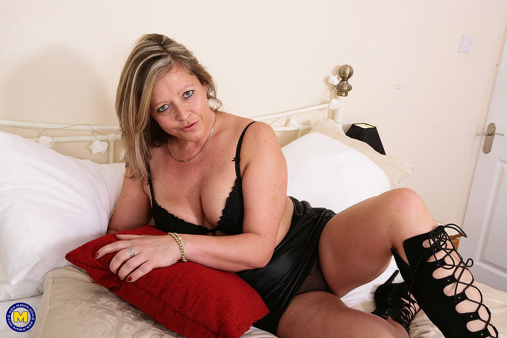 Free pics of old bisexual women