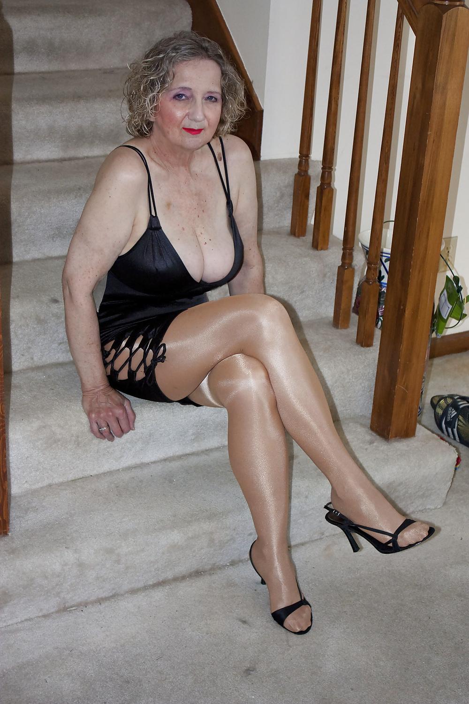 Stunning Mature Women Galleries 25