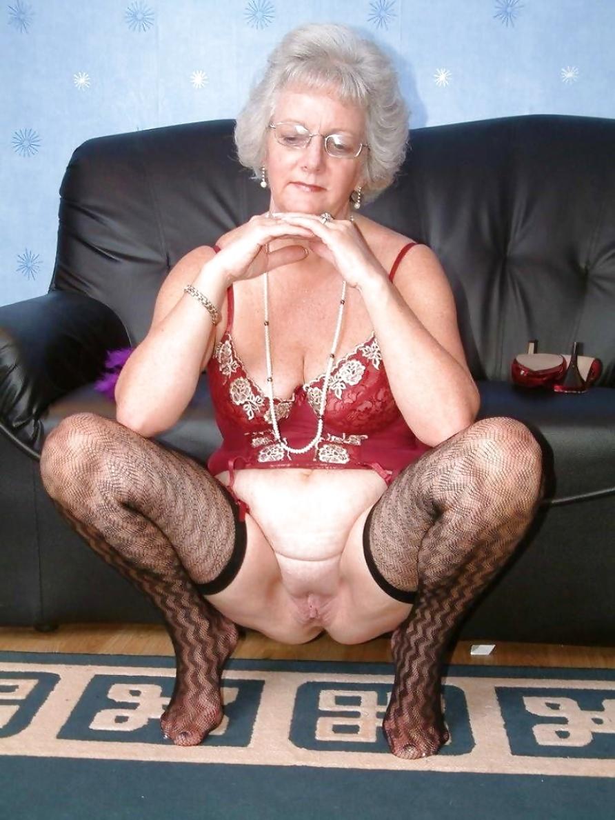 Stunning Mature Women Galleries 108