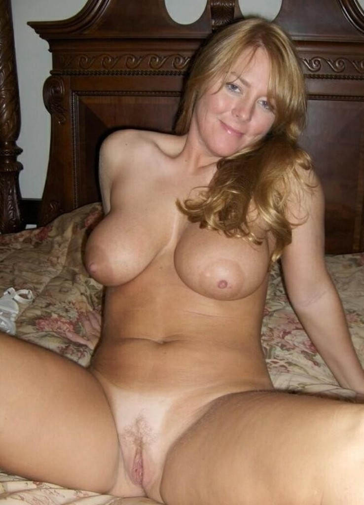 Hot sexy tits milf face