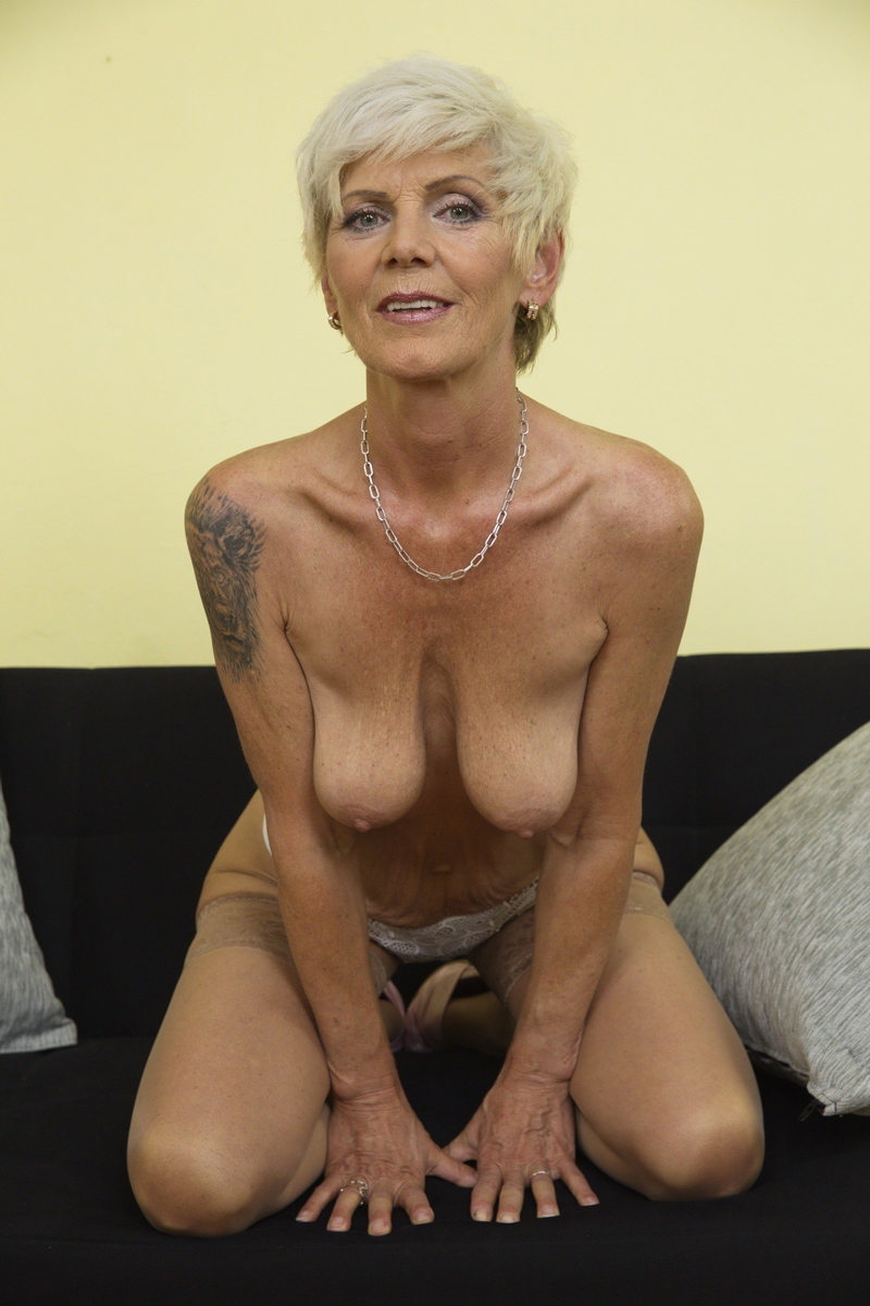 Naked old lady pics