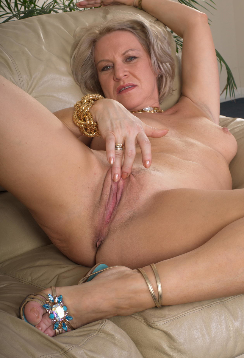 Can hd mature nude have