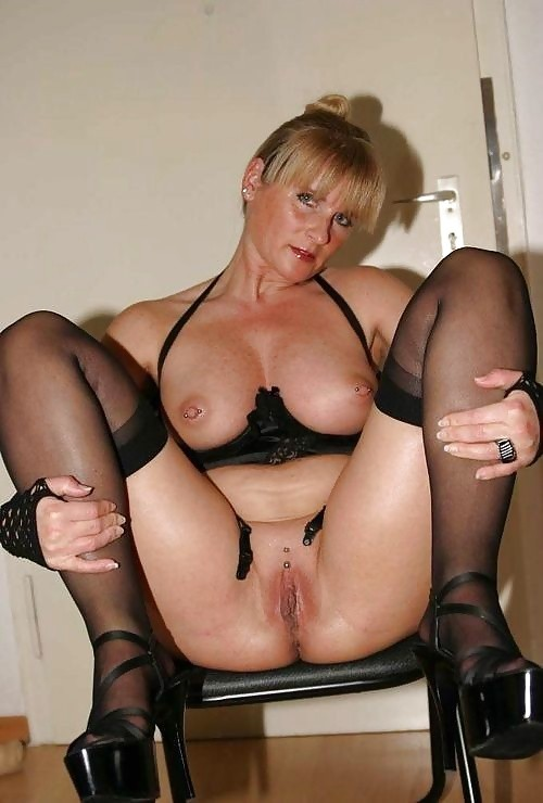 milfs Good looking mature
