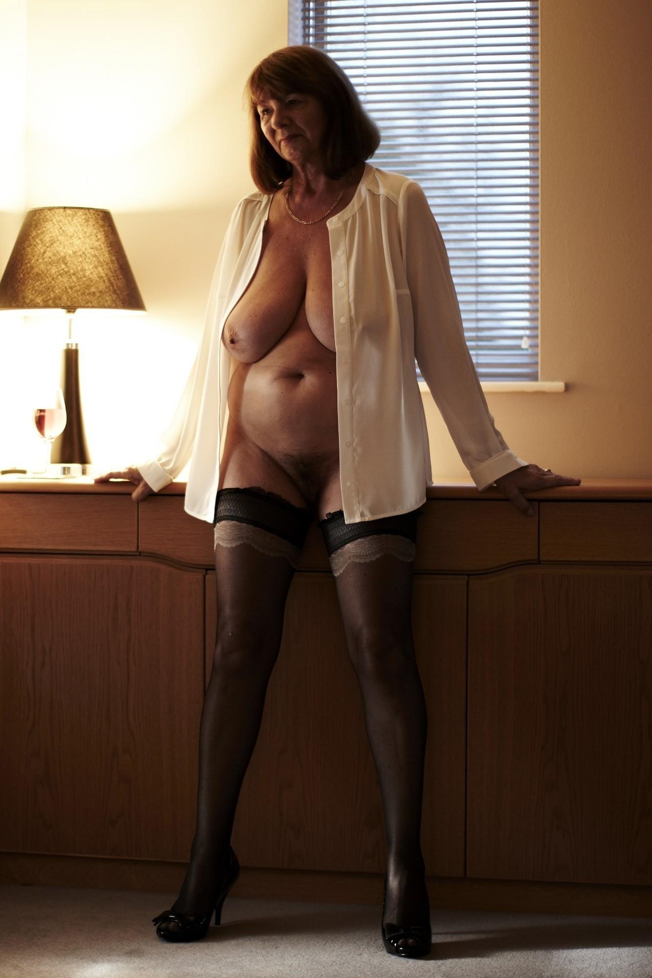 Mature woman hot