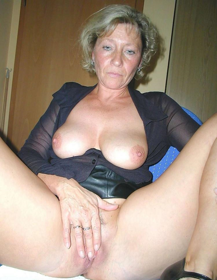 New Matures  Free Older Women Porn Mature Sex Videos