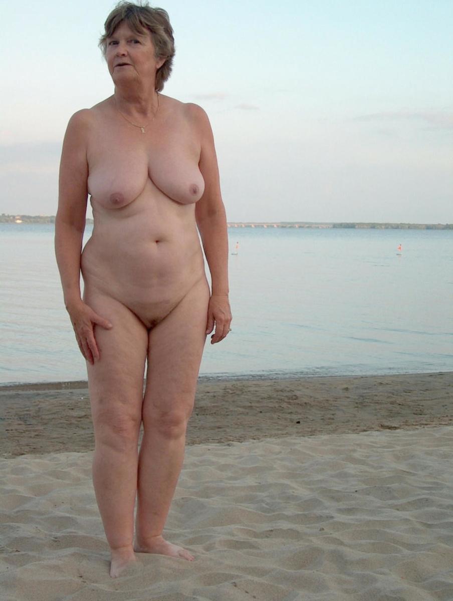 Der granny naked