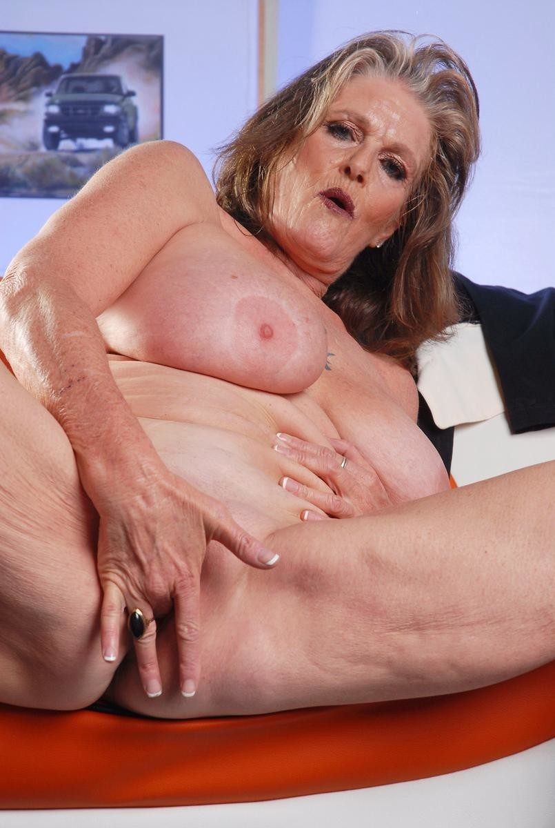 Pussy mature porn