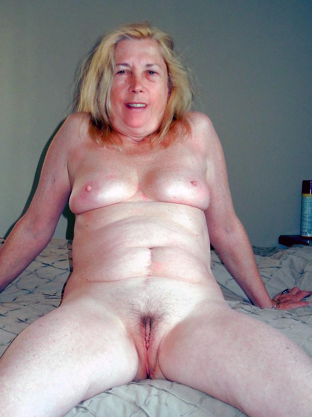 Beautiful Spain girl naked