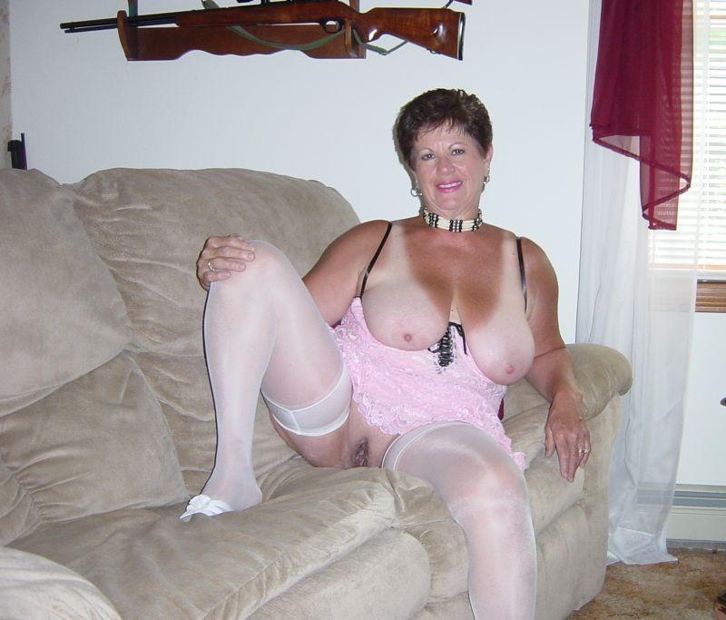 Фото порно женщин пожилых в панталонах