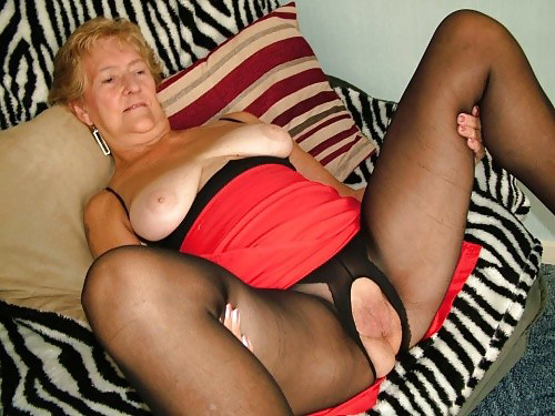 Порно фото бабуль в колготках