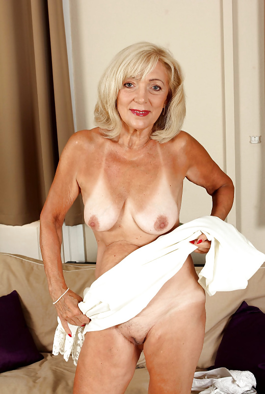 Dirty mature slut with fake tits