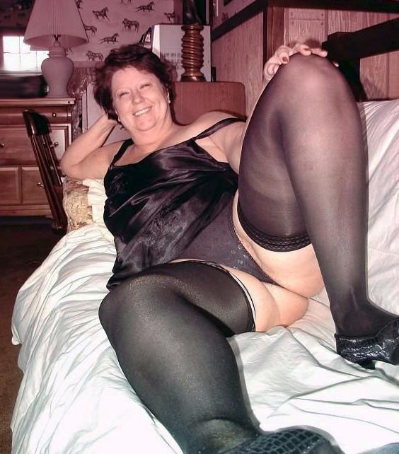 Horny granny gallery
