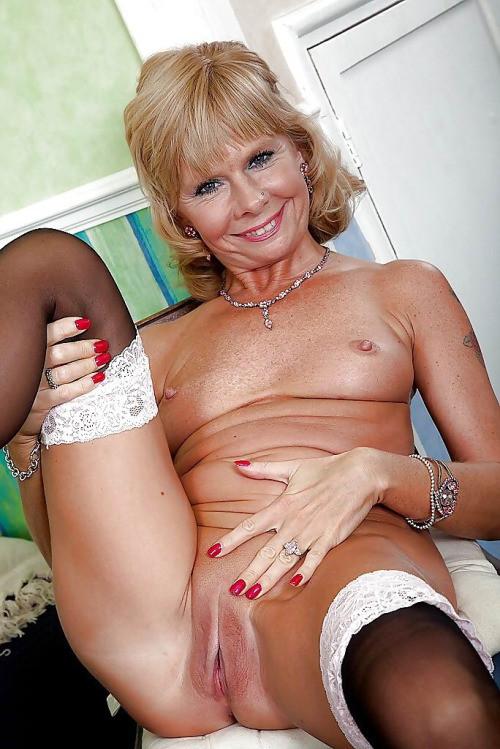 Hot older mature porn pics, super hot porn starlets nude