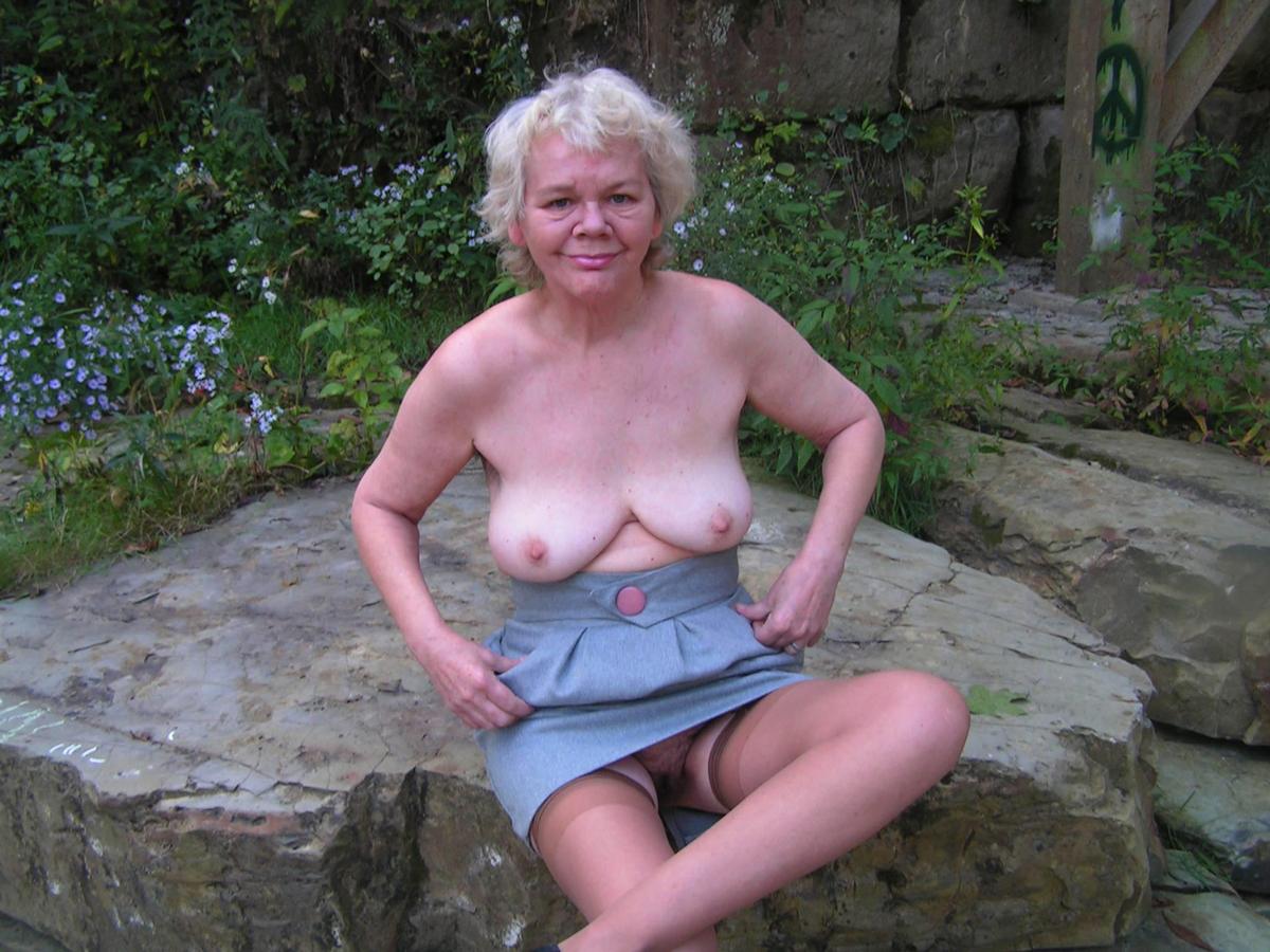 Pornstar blondes fuck