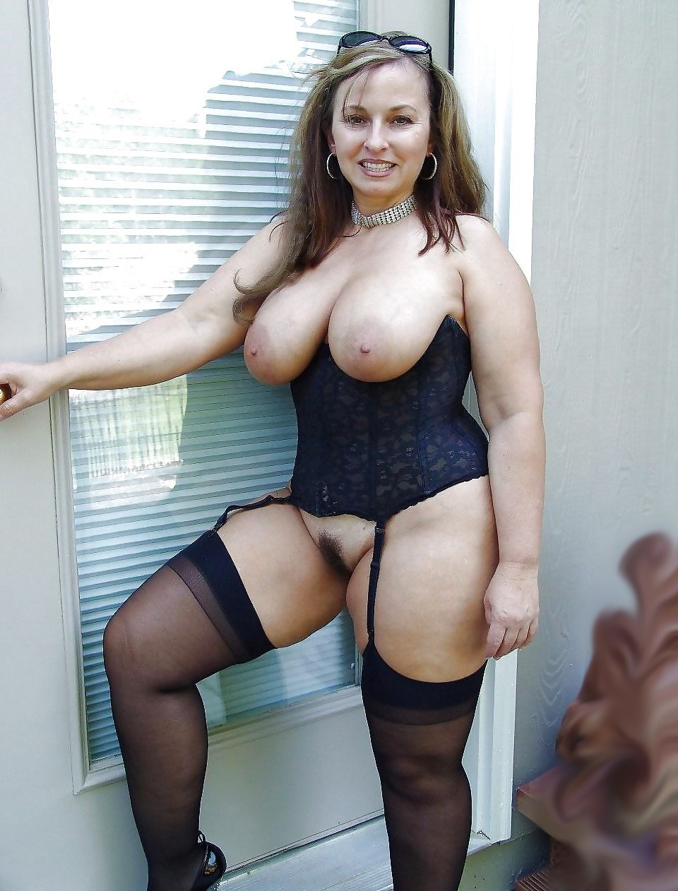 image A hot milf and her magic wand w sound
