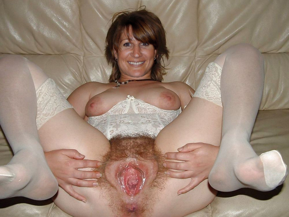 Hairy mature milf thumbs