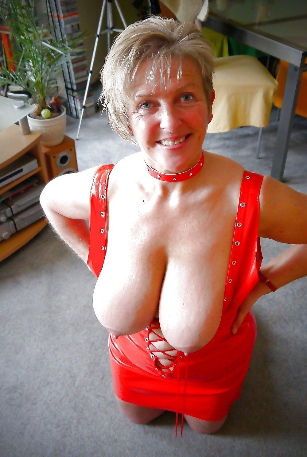 Mature saggy tits see through