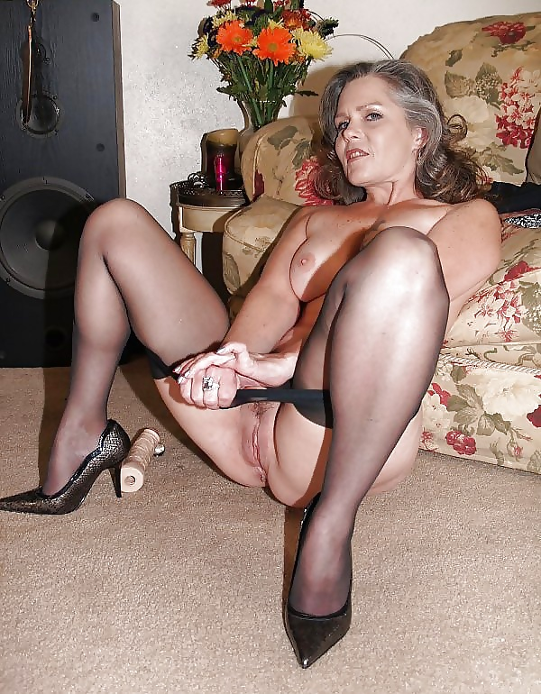 Business milf in pantyhose works hairy pussy 1