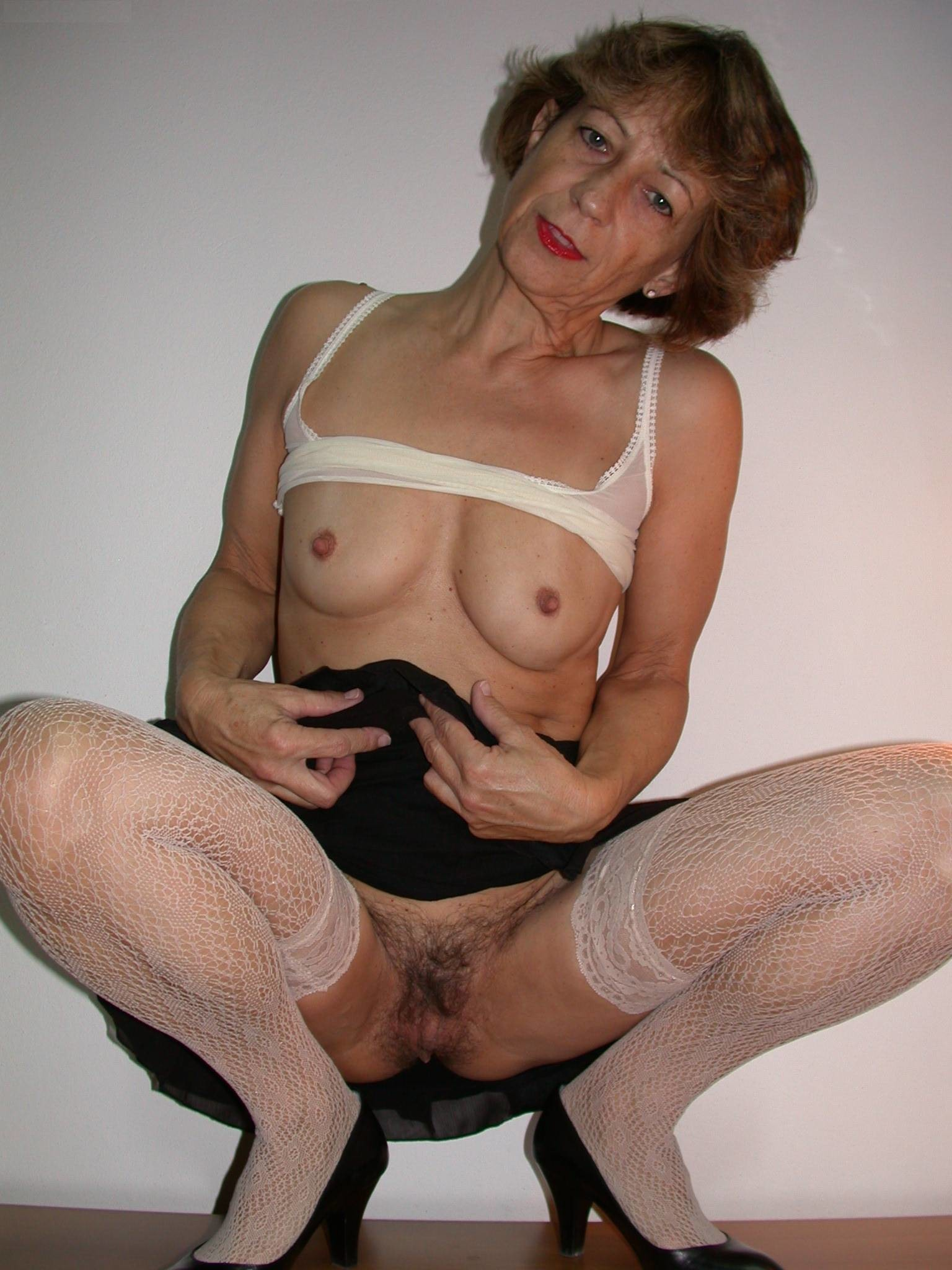 Have found Mature women wearing stockings
