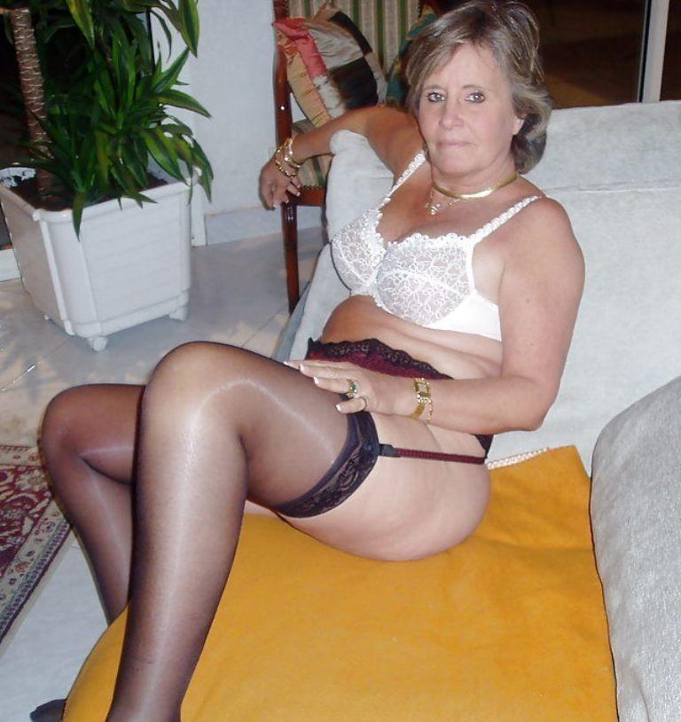 womans naked fat butt
