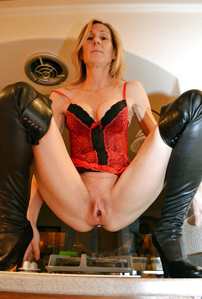 Mature bitches galleries are
