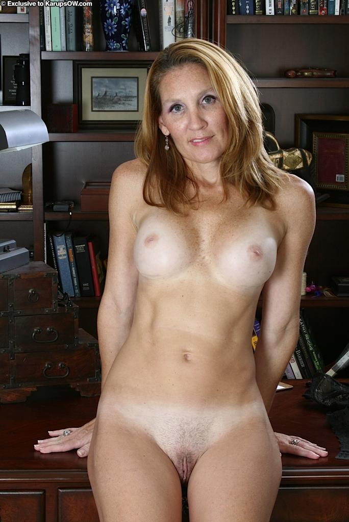 hair-naked-woman-secretaries
