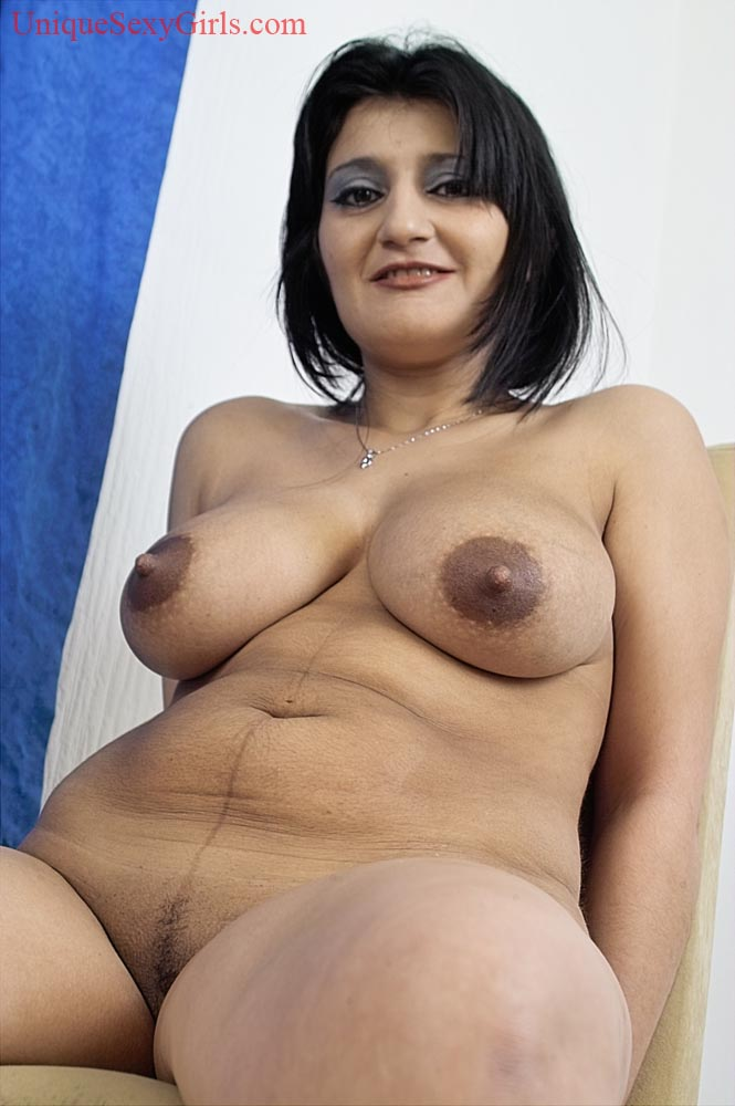 Unique Sexy Girls :: NATURAL BIG TITS AND HANGING JUGGS!
