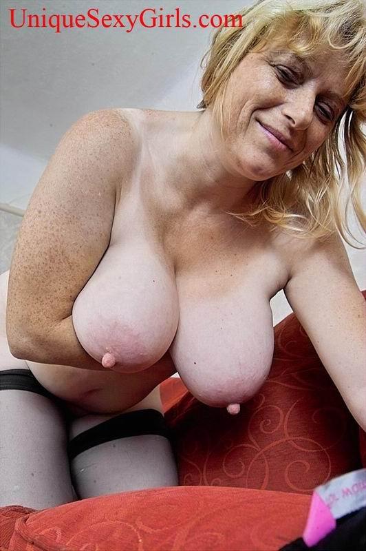 Big juggs mom