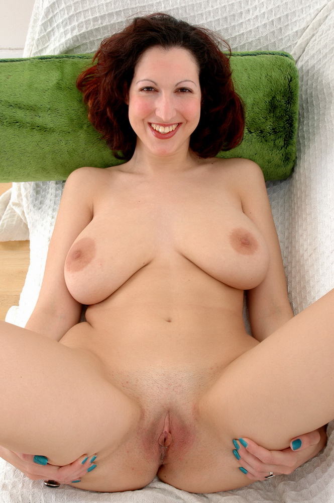 tits saggy Mature brunette