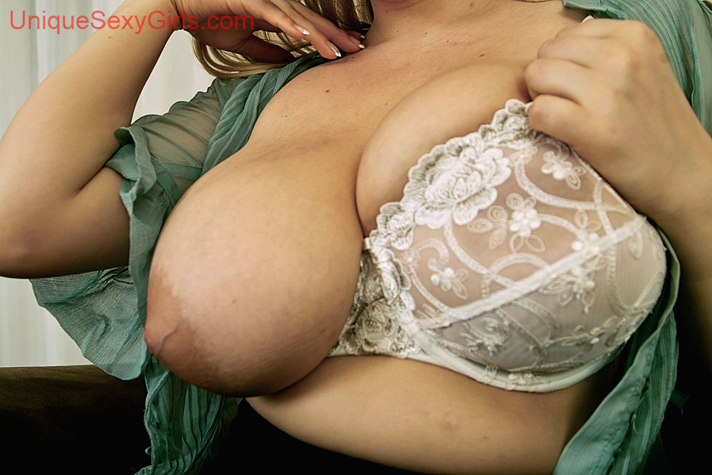 Magapost de hermosas maduras en bolas