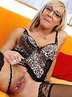 Cocksucking mature slut