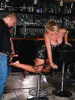 Unforgettable footjob from sophisticated older woman