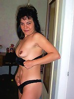 I asked my mom to pose naked for my camera and she was more than happy to show her perfect mature body boobs and cunt